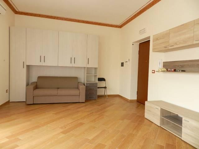 Appartamento in ottime condizioni arredato in affitto Rif. 7199396