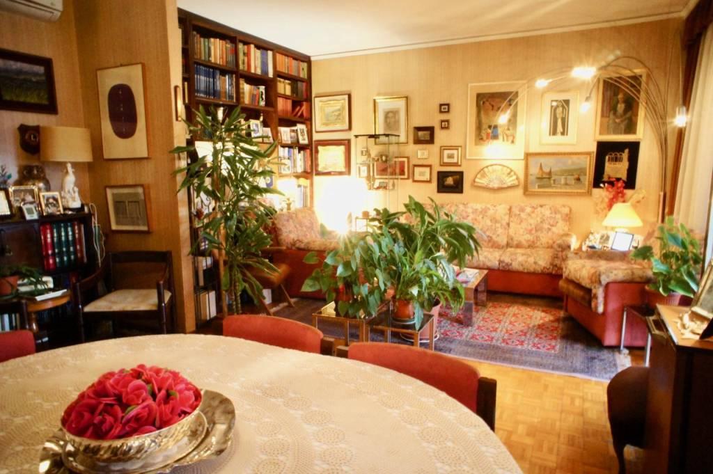 Appartamento in vendita a Trieste, 7 locali, prezzo € 230.000 | PortaleAgenzieImmobiliari.it