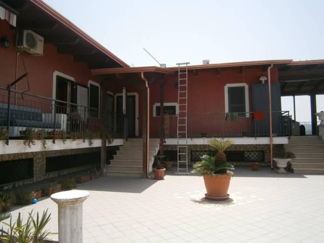 Appartamento in ottime condizioni arredato in affitto Rif. 7202459