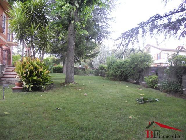 Villa 6 locali in vendita a Pedara (CT)