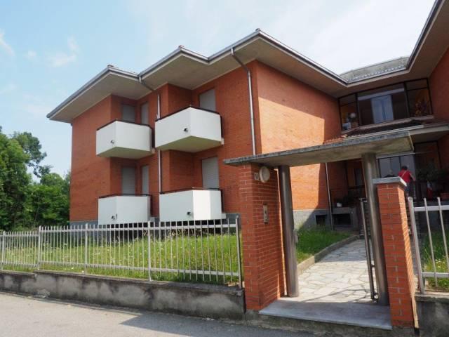 Appartamento in buone condizioni in affitto Rif. 7198997