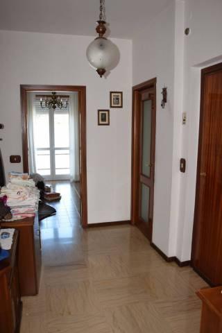 Appartamento in buone condizioni in affitto Rif. 7199607