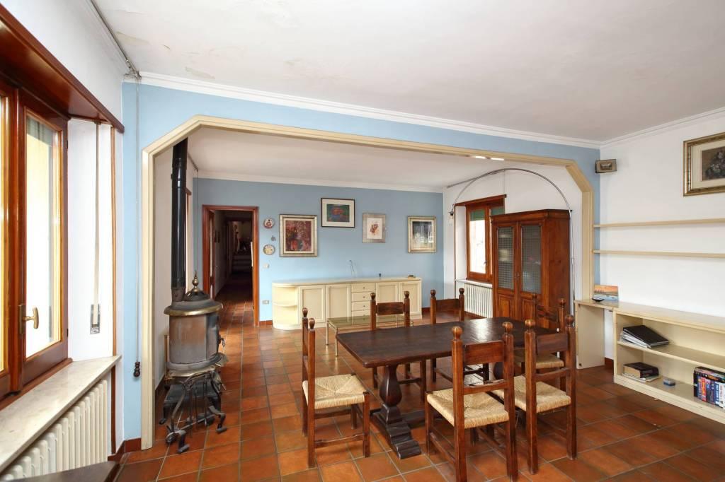 Appartamento in buone condizioni in vendita Rif. 7201261