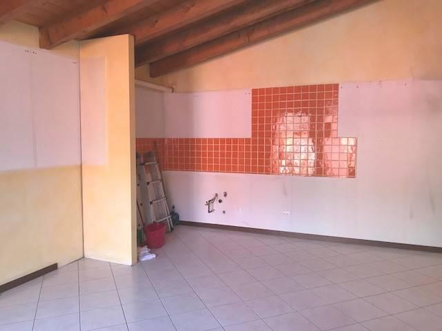 Appartamento in ottime condizioni in affitto Rif. 9192249
