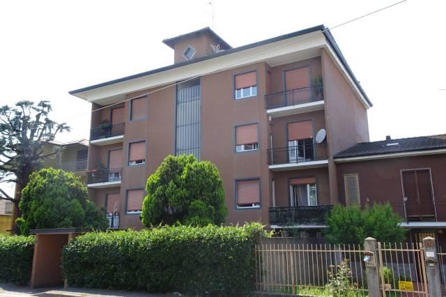 Appartamento in buone condizioni arredato in vendita Rif. 7199856