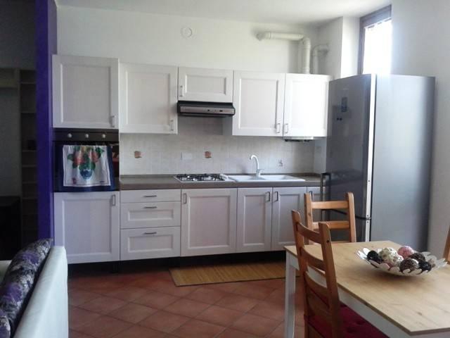 Appartamento in buone condizioni arredato in affitto Rif. 7200697