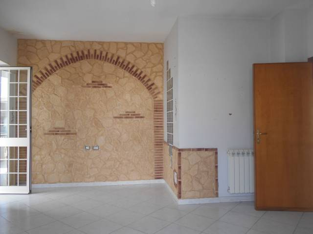 Appartamento con terrazzo a Casoria
