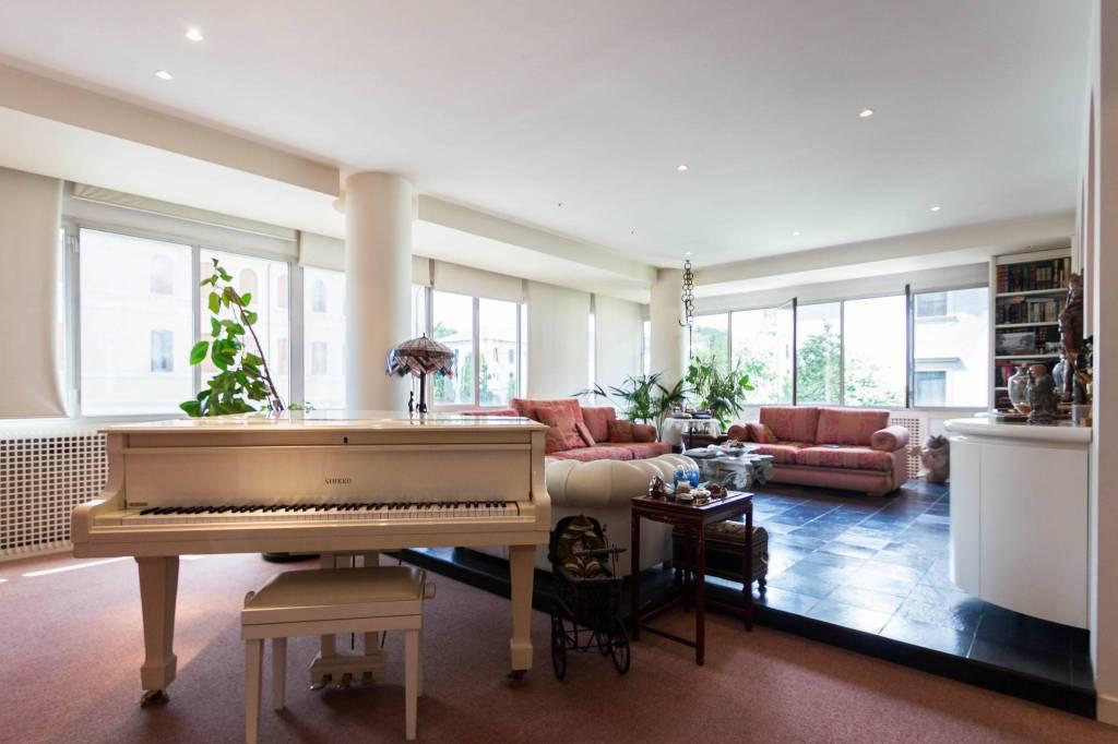 Appartamento in buone condizioni in vendita Rif. 7201401