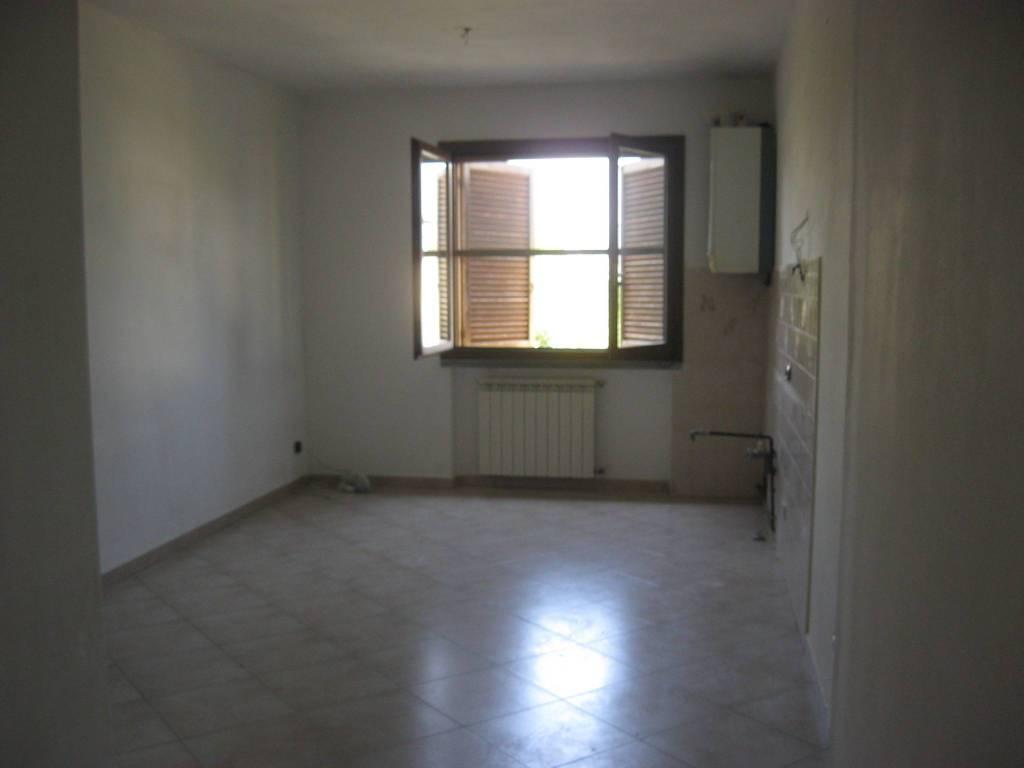 Appartamento in buone condizioni in affitto Rif. 7813622