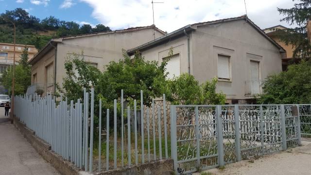Casa Indipendente da ristrutturare in vendita Rif. 7216296