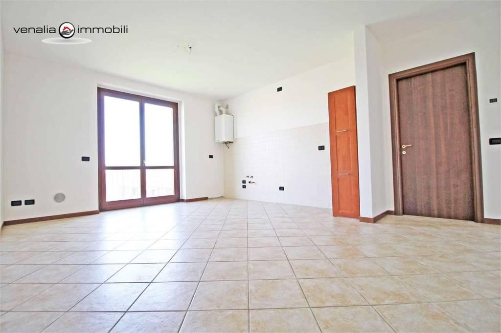 Appartamento in ottime condizioni in vendita Rif. 9306573