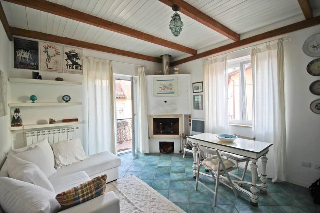 Appartamento in vendita a Trevignano Romano, 3 locali, prezzo € 160.000 | CambioCasa.it