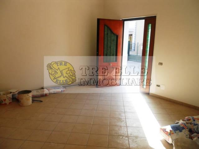 Appartamento in buone condizioni in affitto Rif. 7217064