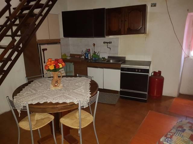 Appartamento in buone condizioni arredato in affitto Rif. 7219446