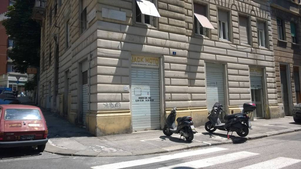 LOCALE COMMERCIALE Rif. 7214895