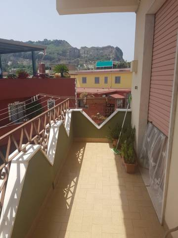 Appartamento in buone condizioni in affitto Rif. 7216527