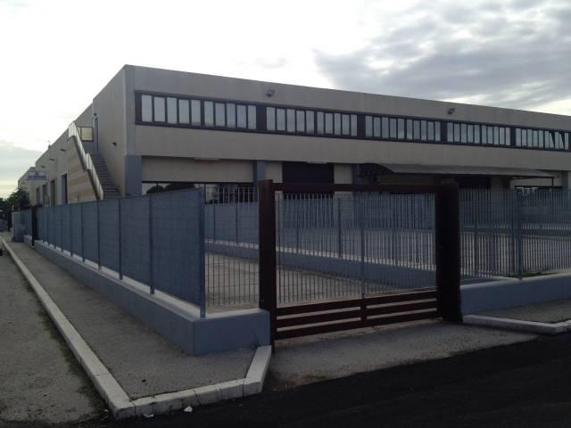 Via Manfredonia Capannone 170 mq. con piazzale