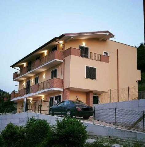 Appartamento in ottime condizioni in vendita Rif. 7215176