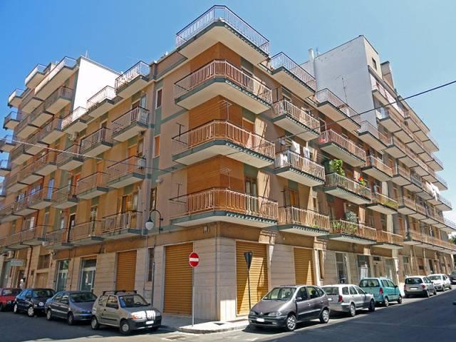Appartamento in buone condizioni in affitto Rif. 7214699
