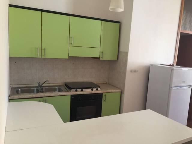 Appartamento in buone condizioni arredato in affitto Rif. 7215892