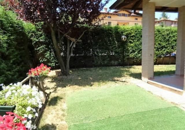 Appartamento in ottime condizioni parzialmente arredato in vendita Rif. 7186775