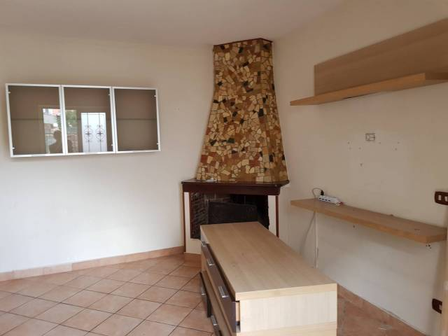 Appartamento in buone condizioni in affitto Rif. 7214789