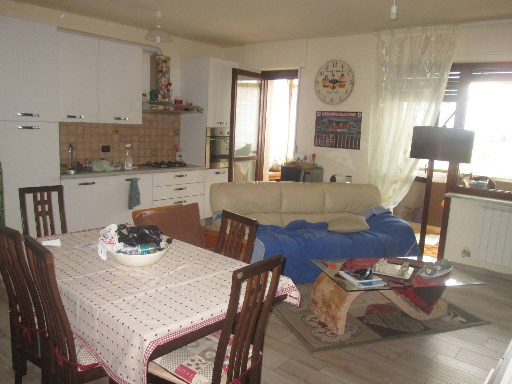Appartamento in buone condizioni in vendita Rif. 7212870