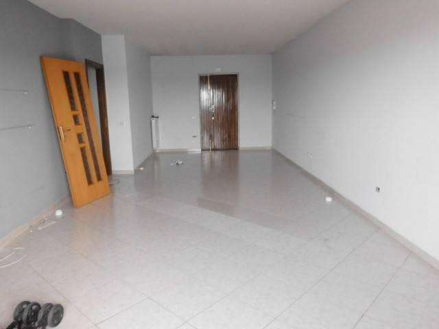 Appartamento in buone condizioni in affitto Rif. 7216557