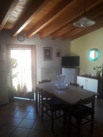 Appartamento in ottime condizioni arredato in affitto Rif. 7218692