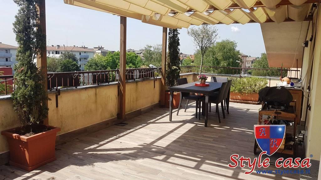 Attico / Mansarda in vendita a Cesate, 4 locali, prezzo € 285.000 | CambioCasa.it