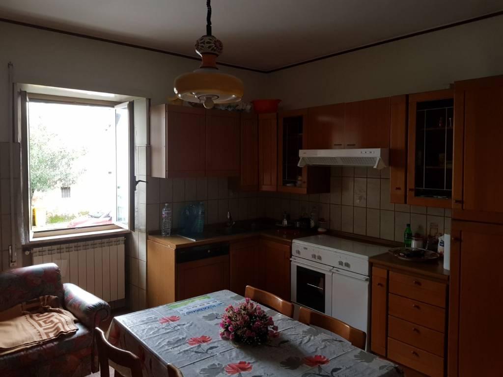 Appartamento in buone condizioni arredato in vendita Rif. 7213314