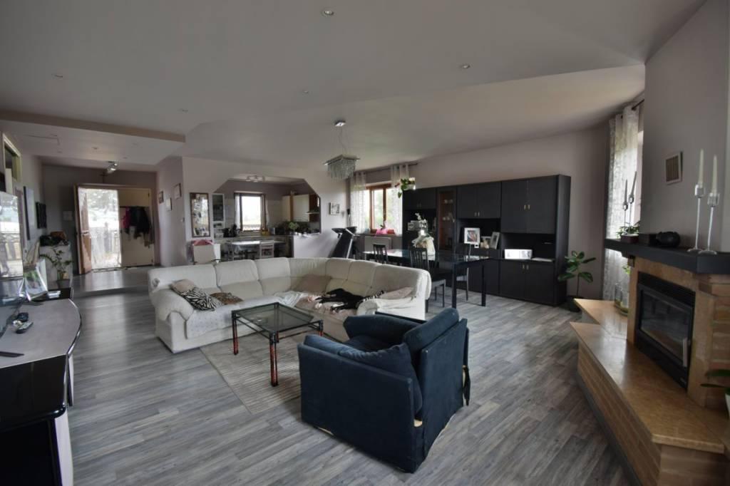Appartamento in buone condizioni in vendita Rif. 7213089
