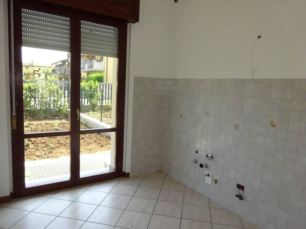 Appartamento in buone condizioni in affitto Rif. 7215891