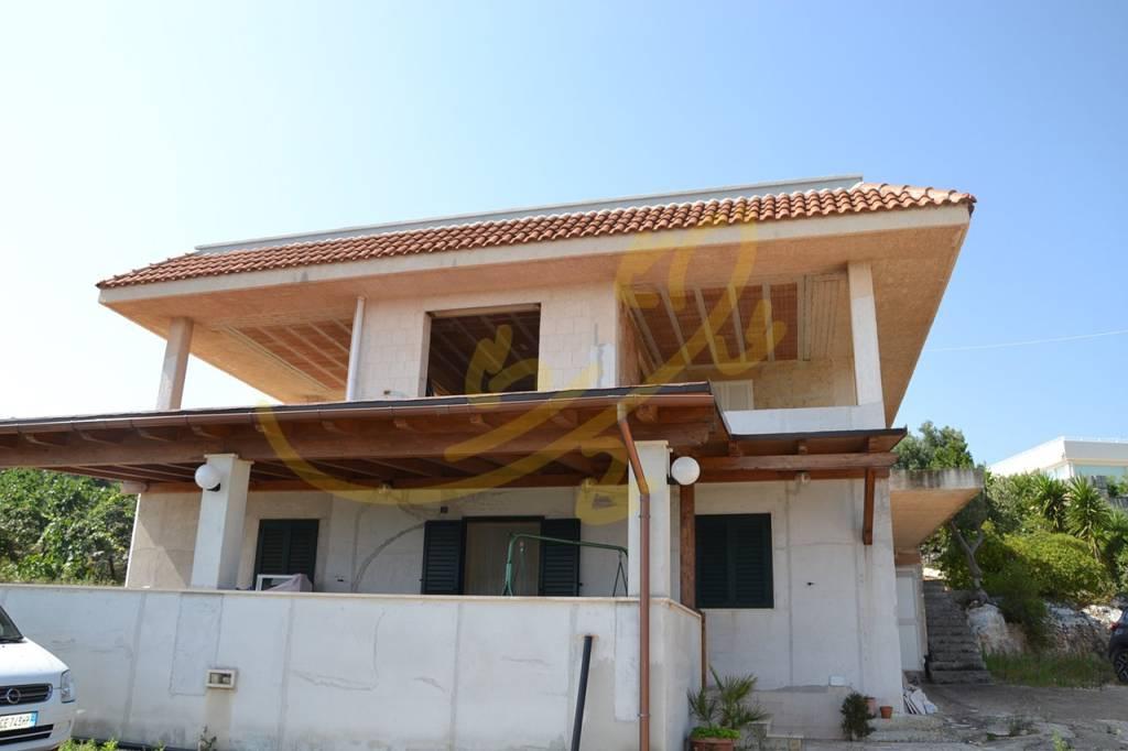 Villa in buone condizioni in vendita Rif. 7213757