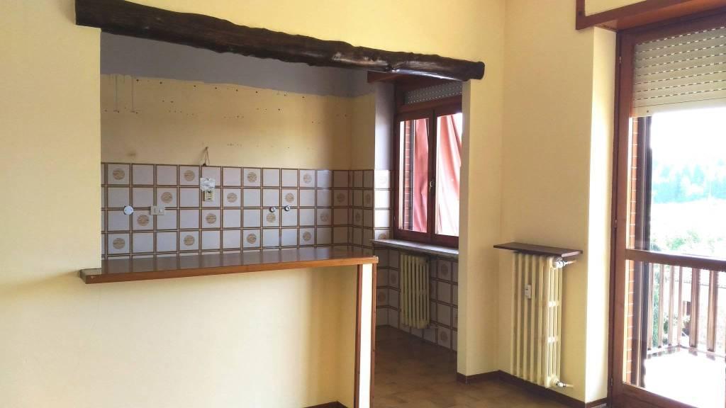 Appartamento in vendita a San Damiano d'Asti, 4 locali, prezzo € 105.000 | CambioCasa.it