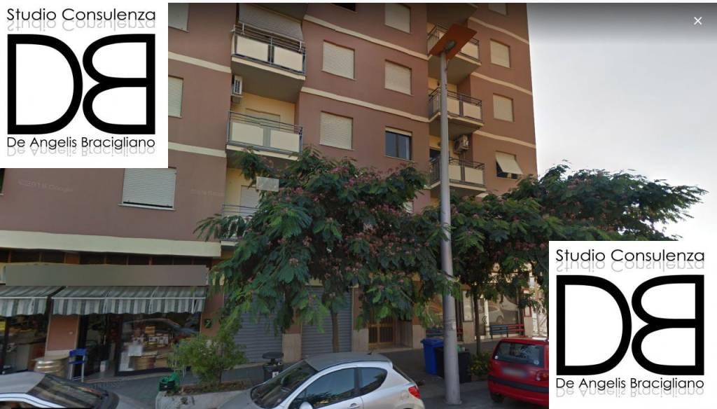Appartamento in buone condizioni parzialmente arredato in vendita Rif. 7173745