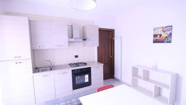 Appartamento in ottime condizioni arredato in affitto Rif. 7217465