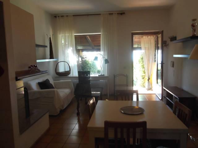 Villetta a schiera in buone condizioni in vendita Rif. 7214132