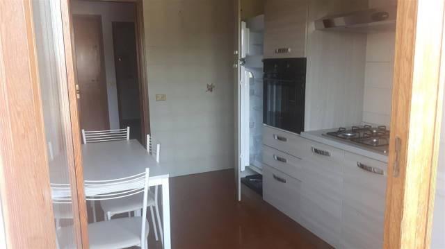 Appartamento in buone condizioni parzialmente arredato in affitto Rif. 7107870