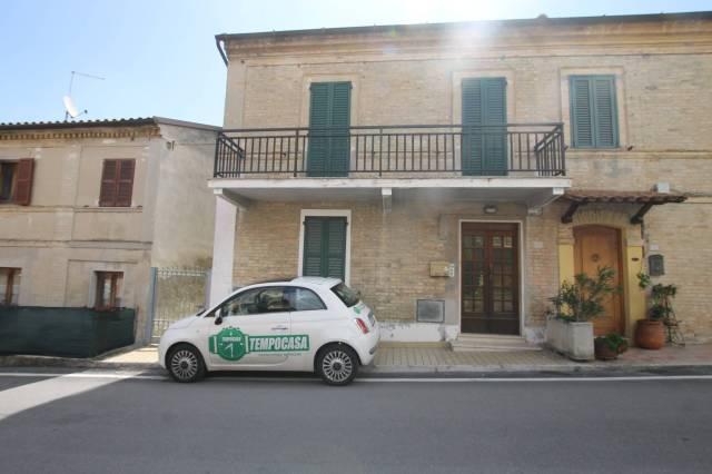 Casa Indipendente in buone condizioni arredato in vendita Rif. 7215246