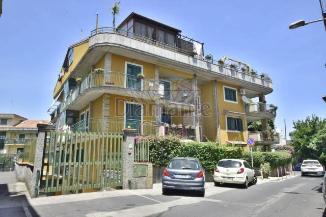 Appartamento in Vendita a Valverde Centro: 3 locali, 90 mq
