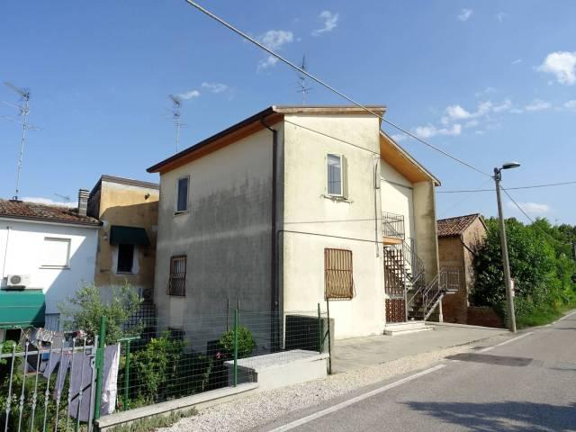 Appartamento in buone condizioni arredato in vendita Rif. 7226615