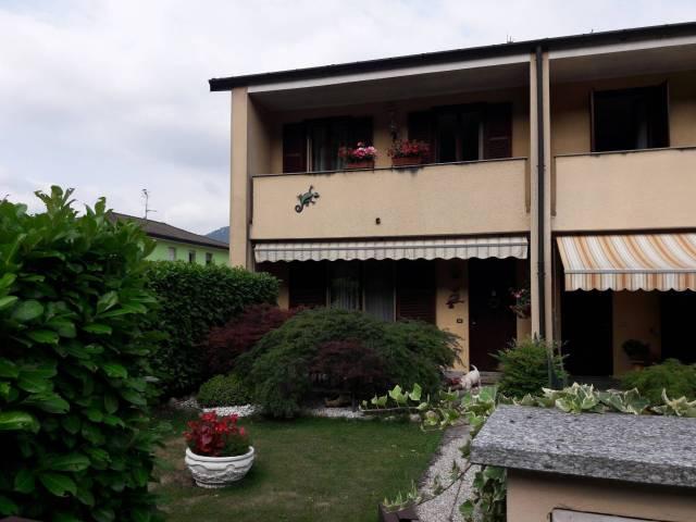 Villa a Schiera in vendita a Besano, 4 locali, prezzo € 245.000 | CambioCasa.it
