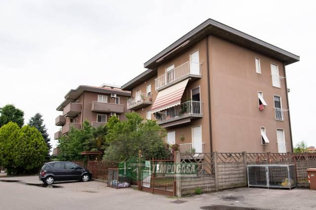 Appartamento in ottime condizioni in vendita Rif. 7227475