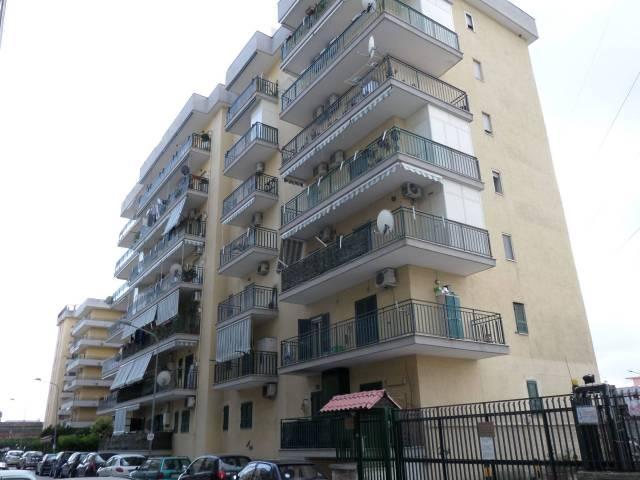 Appartamento in buone condizioni in vendita Rif. 7242493