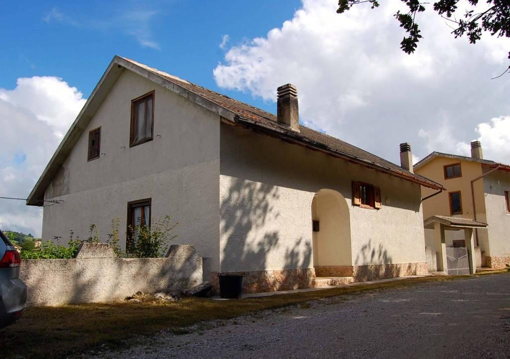 Villa in buone condizioni arredato in vendita Rif. 7227219