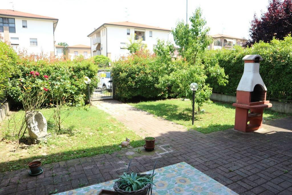 Appartamento parzialmente arredato in vendita Rif. 7244147