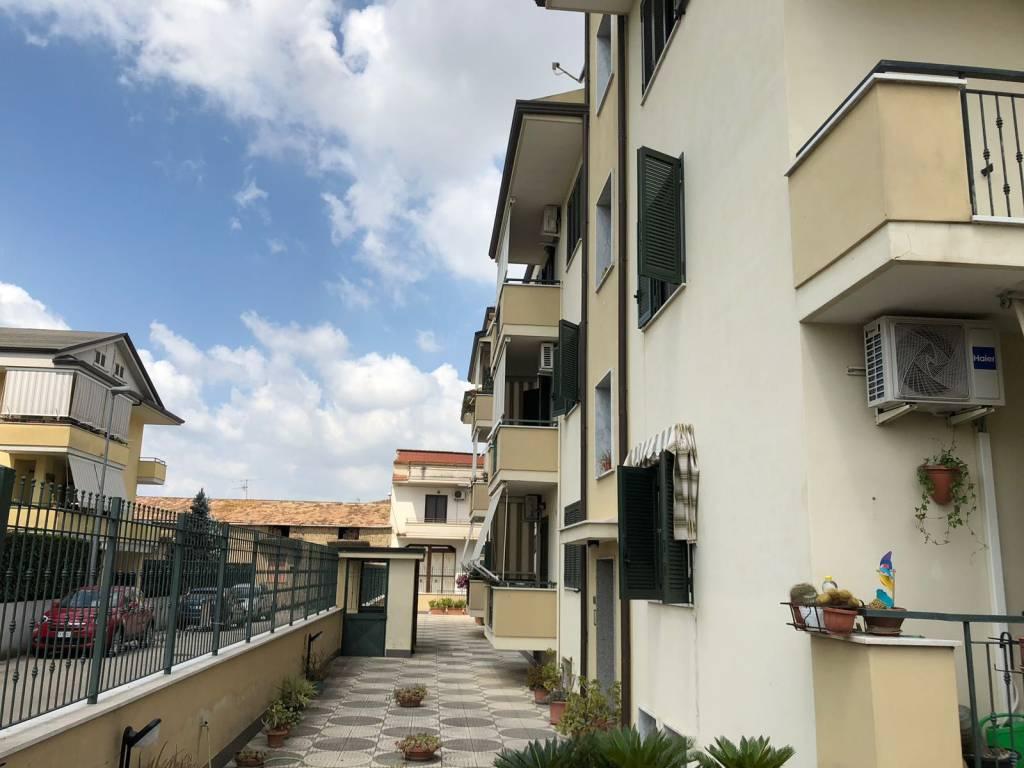 Appartamento in buone condizioni in vendita Rif. 7242761