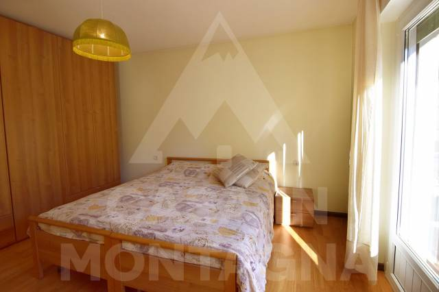 Appartamento in buone condizioni arredato in vendita Rif. 5002520