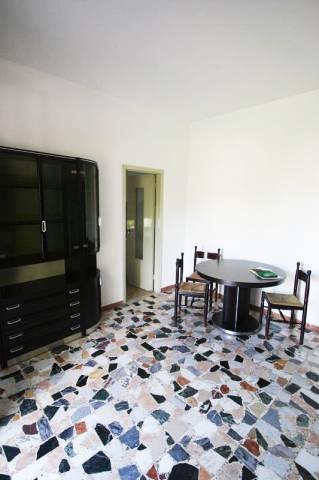 Appartamento in buone condizioni parzialmente arredato in vendita Rif. 7244027